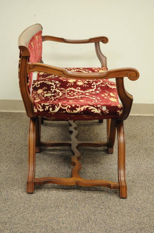 Vintage Hollywood Regency Double Curule X-Form Two-Seat Savonarola Bench Chair In Excellent Condition For Sale In Philadelphia, PA