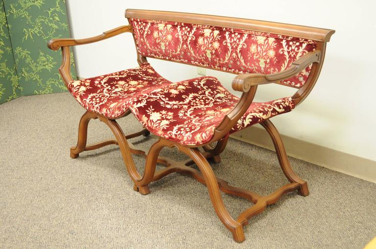 Vintage Hollywood Regency Double Curule X-Form Two-Seat Savonarola Bench Chair For Sale 2
