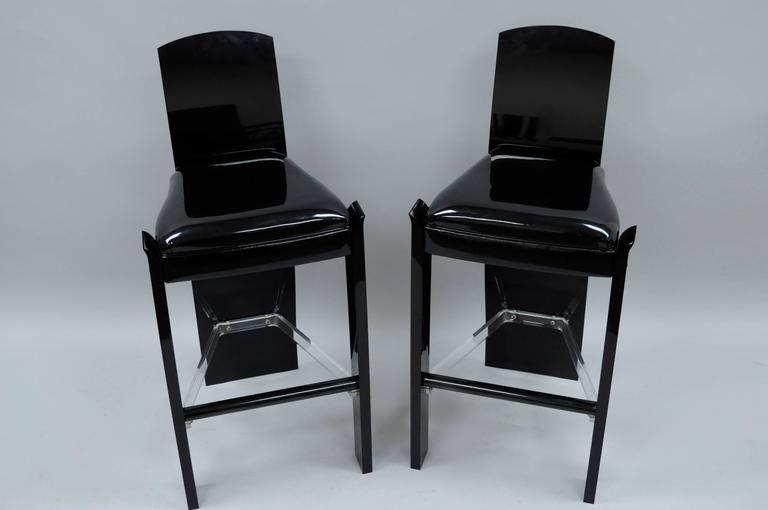 Acrylic Pair of Black Lucite Hill Mfg. Mid Century Modern Curved Sculptural Bar Stools For Sale