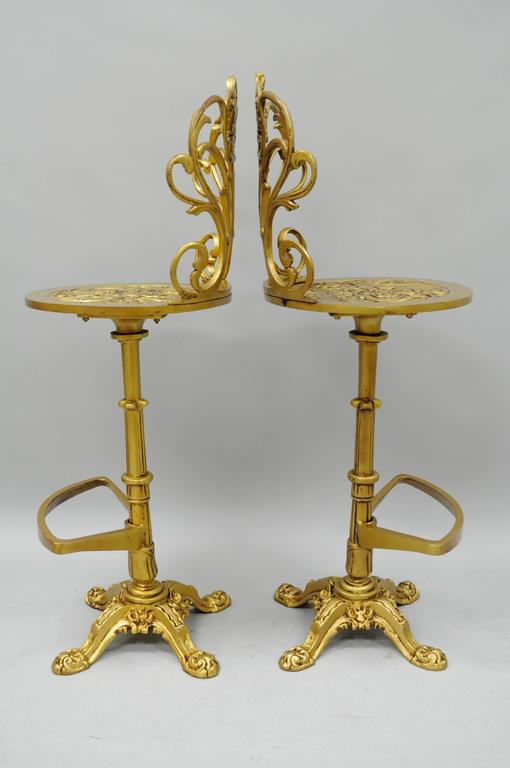 Set 4 Gold Hollywood Regency Art Nouveau Cast Aluminum Floral Swivel Bar Stools In Good Condition In Philadelphia, PA