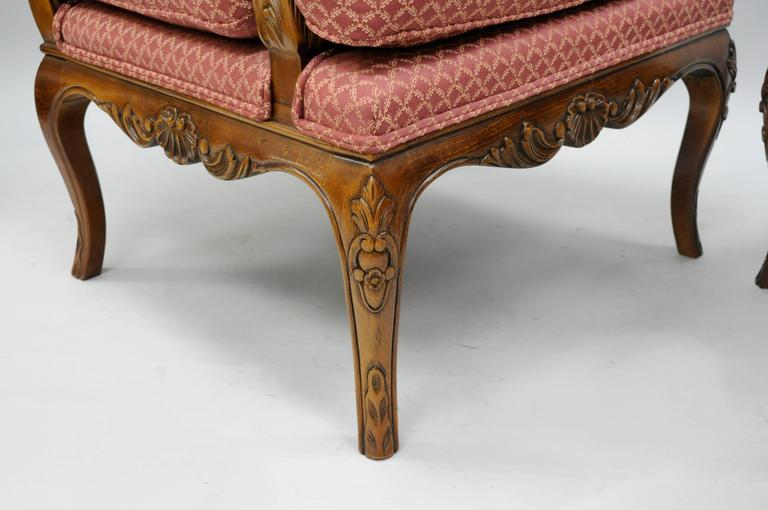 20th Century Pair of Country French Louis XV Shell Carved Century Bergere Lounge Arm Chairs For Sale