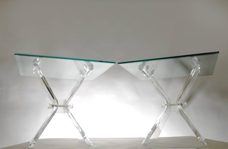 Pair of Lucite Butterfly Wing Glass End Table Hollywood Regency, Lion in Frost For Sale 4