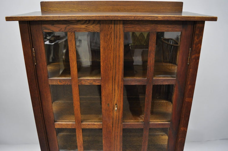 Gustav Stickley Mission Arts Crafts Oak Glass Door China Cabinet Curio Bookcase In Good Condition For Sale In Philadelphia, PA
