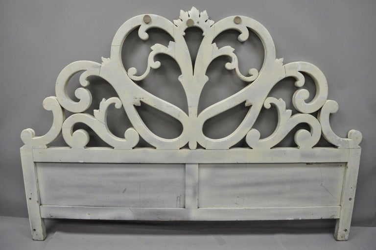 Vintage French Provincial Rococo Carved Wood King-Size Shabby Chic Headboard Bed For Sale 4