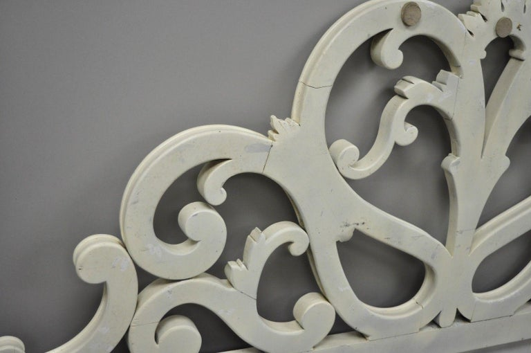 Vintage French Provincial Rococo Carved Wood King-Size Shabby Chic Headboard Bed For Sale 5