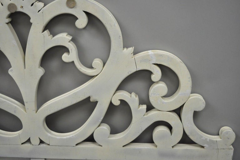 Vintage French Provincial Rococo Carved Wood King-Size Shabby Chic Headboard Bed For Sale 7
