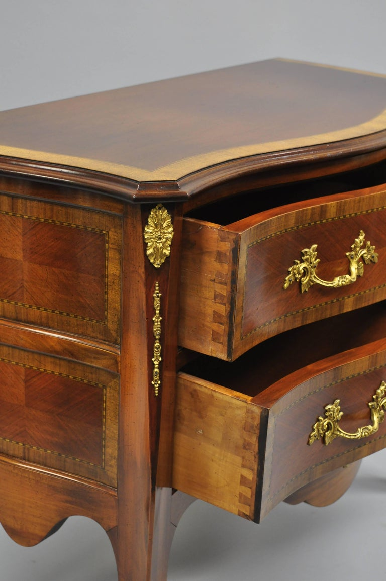 Pair of French Louis XV Style Bombe Commode Banded Top Chest of Drawers For Sale 2