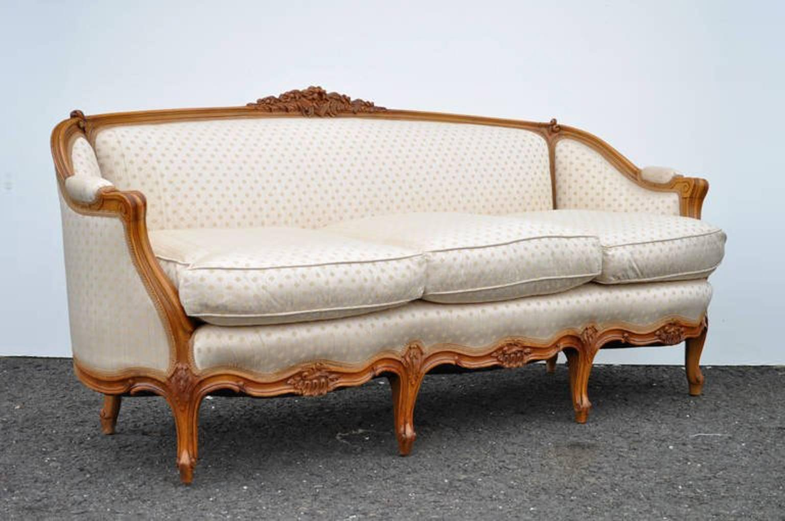 Gorgeous Vintage French Louis XV Style Carved Walnut Sofa. The Item  Features Beautifully Carved Floral