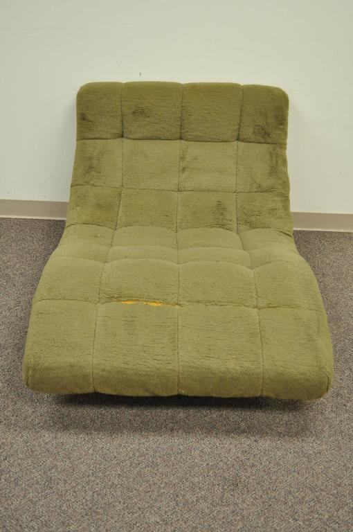 Mid Century Modern Double Wide Green Wave Chaise Lounge attr to  Adrian Pearsall In Good Condition For Sale In Philadelphia, PA