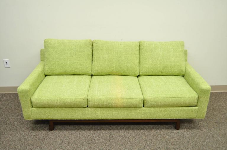 1960s Vintage Mid Century Modern Green Square Frame Upholstered Modernist Sofa In Good Condition In Philadelphia, PA