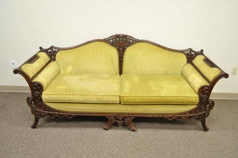 1930s Mahogany Chinese Chippendale Transitional Swan and Serpent Carved Sofa For Sale 5