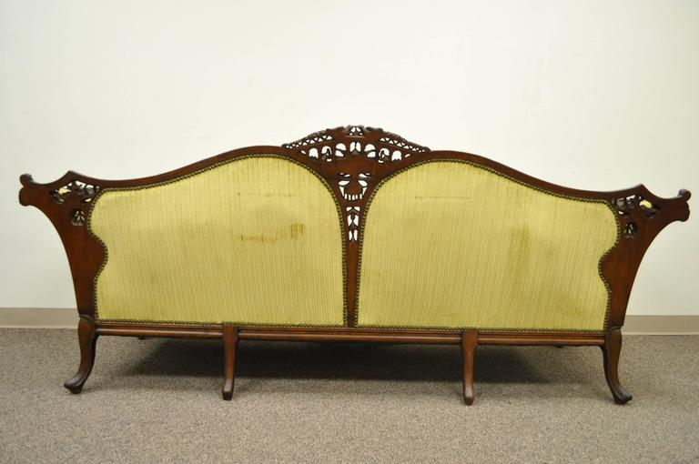 1930s Mahogany Chinese Chippendale Transitional Swan and Serpent Carved Sofa For Sale 4