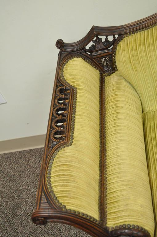 20th Century 1930s Mahogany Chinese Chippendale Transitional Swan and Serpent Carved Sofa For Sale