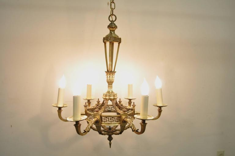 European Early 20th Century French Neoclassical Style Bronze Greek Key Chandelier For Sale