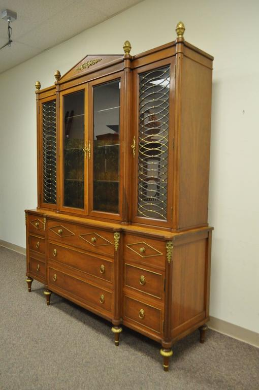 Mid-20th Century French Louis XVI Style Display Cabinet or Bookcase For Sale 5