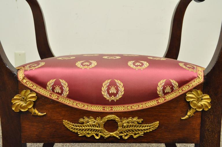19th Century French Neoclassical Mahogany Curule Bench with Bronze Ormolu In Excellent Condition For Sale In Philadelphia, PA