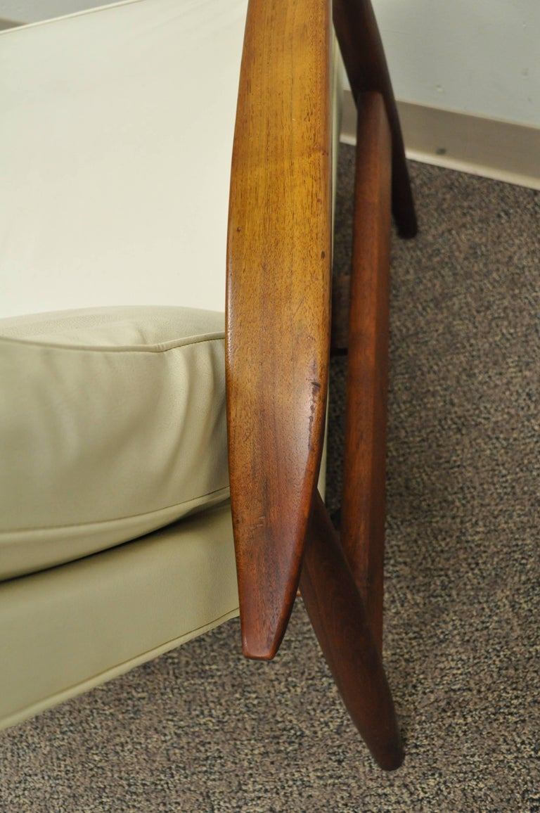 Milo Baughman for James Inc Thayer Coggin Sculpted Walnut Recliner Lounge Chair For Sale 2