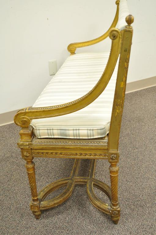 French Louis XVI Style Gold Giltwood Carved Bench or Settee, circa 1900 For Sale 3