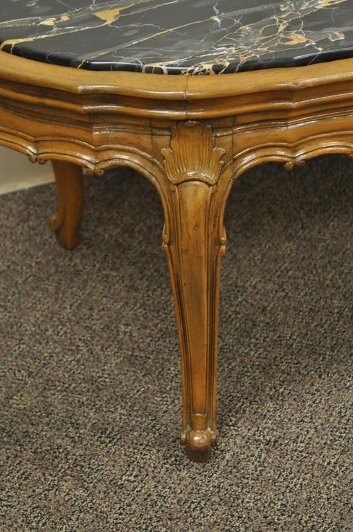 Italian 1930s French Louis XV Or Country Style Oval Marble Top Walnut Coffee  Table For Sale