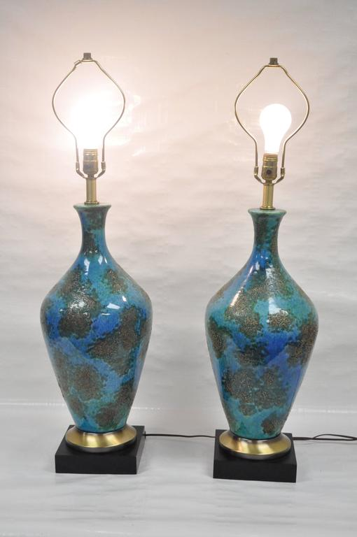 Mid-20th Century Pair of Mid-Century Italian Modern Blue Glazed Ceramic Sculptural Table Lamps For Sale