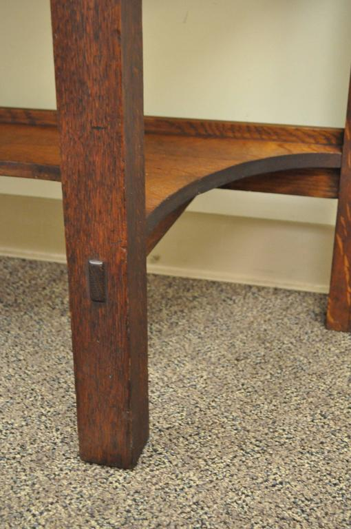 Rare Limbert One-Drawer Mission Oak Console Table with Backsplash, circa 1910 In Excellent Condition For Sale In Philadelphia, PA