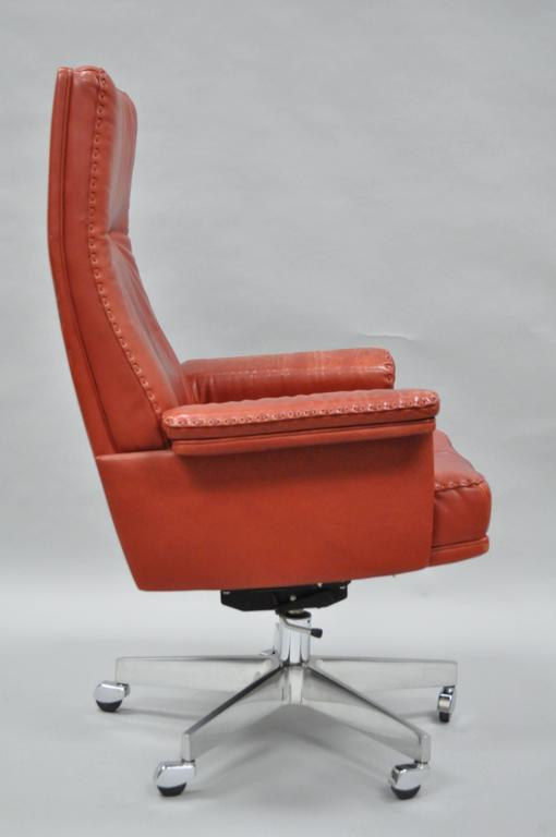 Swiss Vintage De Sede DS 35 Red Leather & Chrome Caster Executive Swivel Desk Chair For Sale