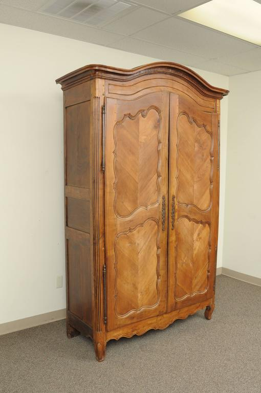 Large Country French Louis XV Style Wardrobe Cabinet Walnut Bonnet Top Armoire For Sale 4