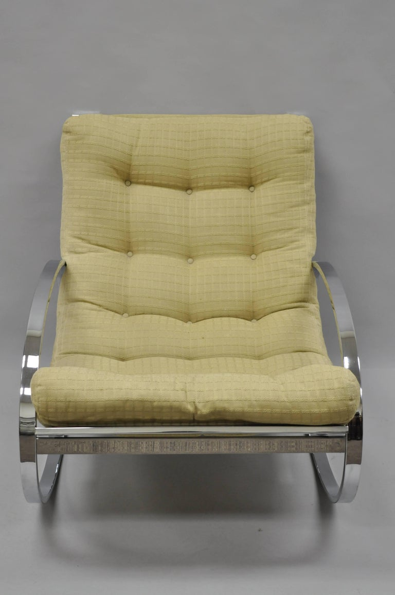 Mid Century Modern Renato Zevi Selig Ellipse Milo Baughman Chrome Rocking Chair In Good Condition For Sale In Philadelphia, PA
