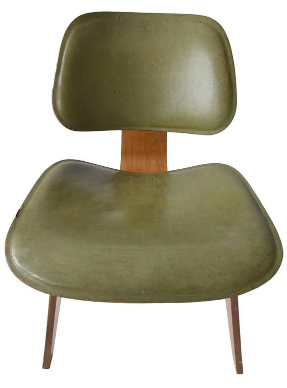 Charles Eames Leather LCW for Herman Miller, 1949 In Excellent Condition For Sale In Toronto, Ontario