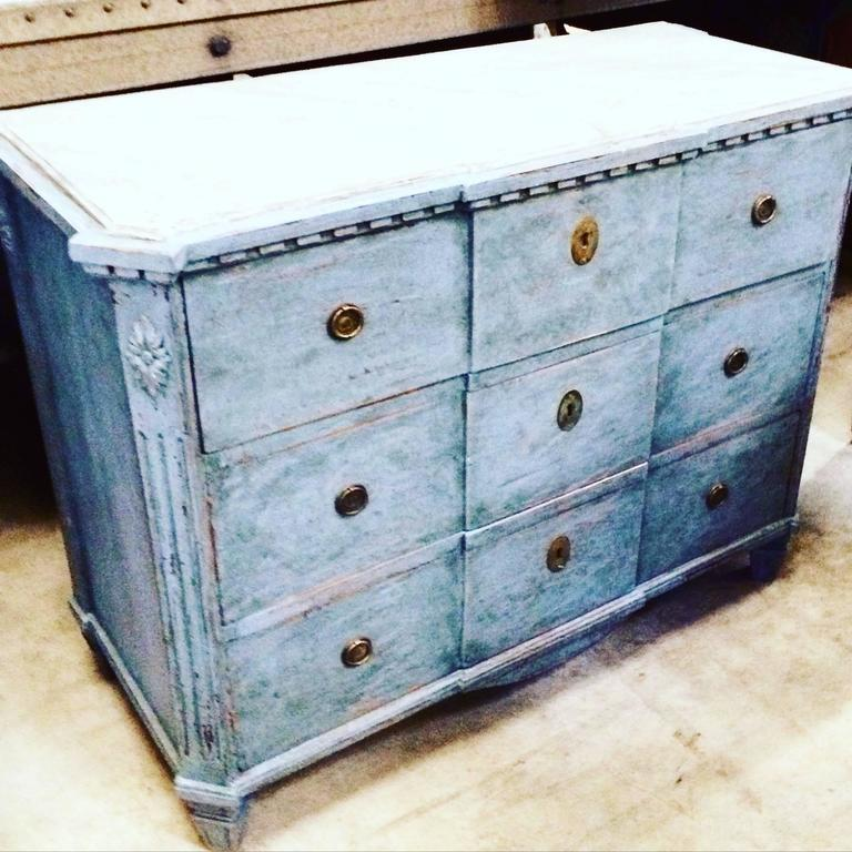 19th Century Gustavian Chest with Faux Marble Painted Top For Sale 2