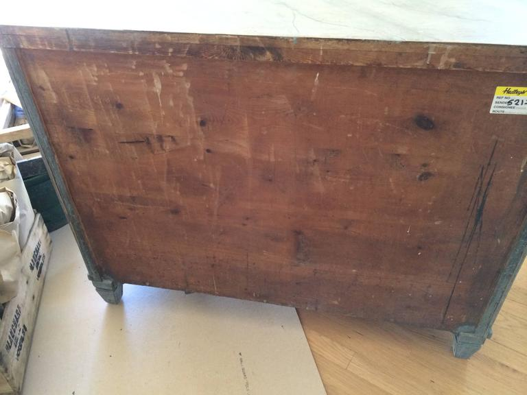 19th Century Gustavian Chest with Faux Marble Painted Top For Sale 4