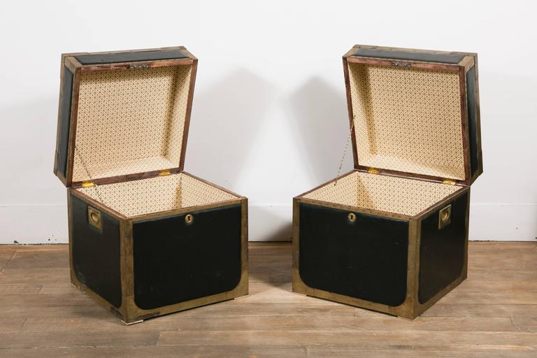 Mid-Century Modern Attractive Pair of Leather and Brass Trunk Tables For Sale