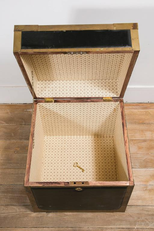 Attractive Pair of Leather and Brass Trunk Tables For Sale 2