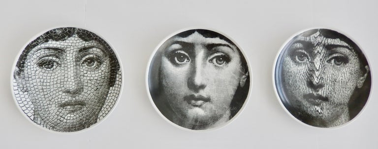 Porcelain Midcentury Fornasetti Face Plate, Tema e Variazione N90 For Sale
