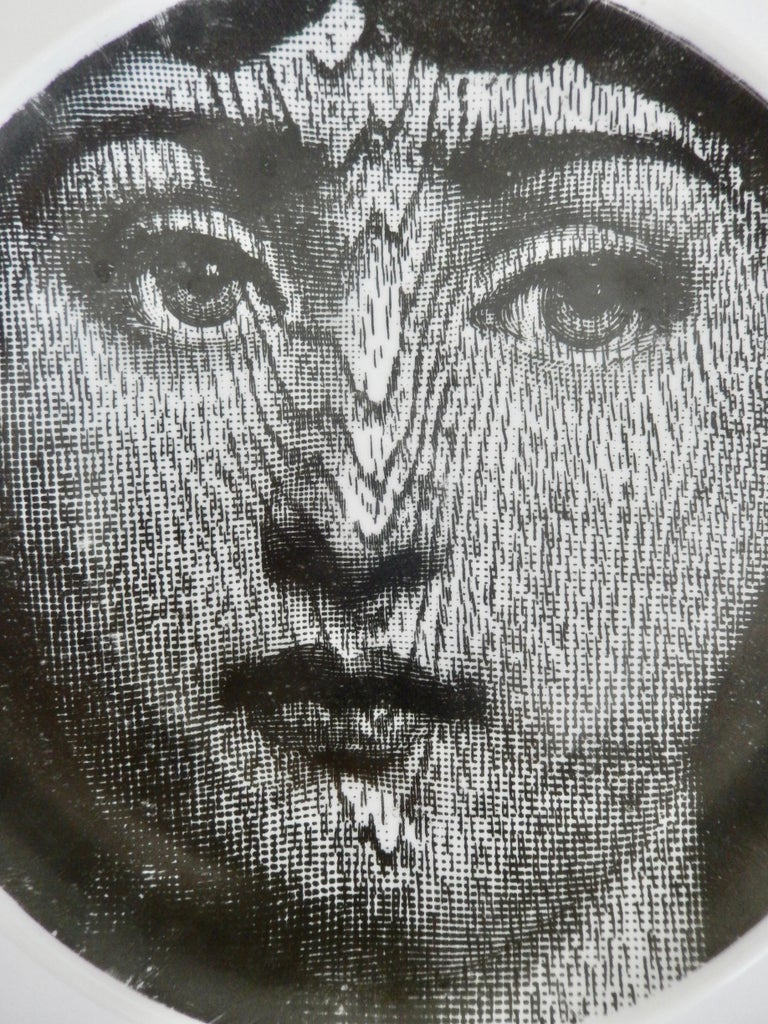 Midcentury Fornasetti Face Plate, Tema e Variazione N90 In Good Condition For Sale In Winnetka, IL