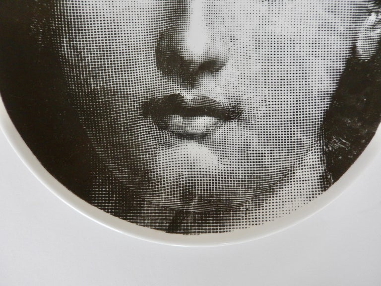 Midcentury Fornasetti Iconic Face Plate, Tema e Variazoni N1 In Good Condition For Sale In Winnetka, IL