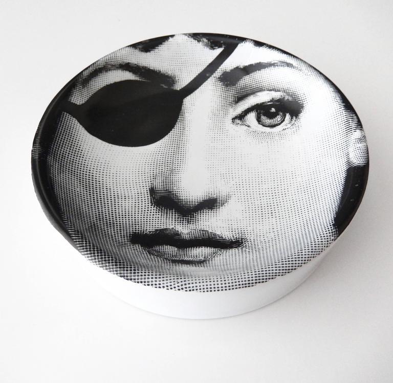 Italian Fornasetti Ceramic Dish with Cavalieri Portrait For Sale