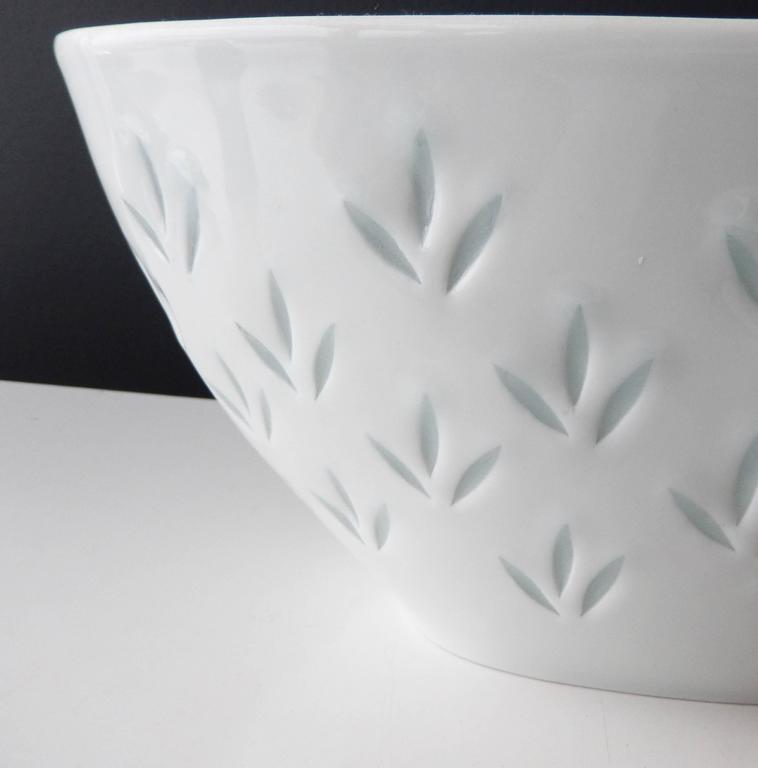 Glazed Modern Porcelain Bowl for Arabia by Friedl Holzer Kjellberg For Sale