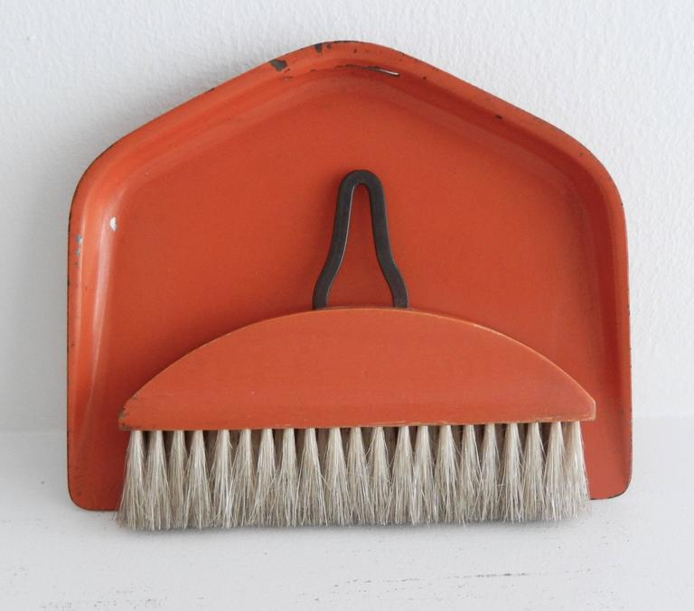 Bauhaus/Marianne Brandt Modernist Crumb Brush and Tray, circa 1929 In Good Condition For Sale In Winnetka, IL