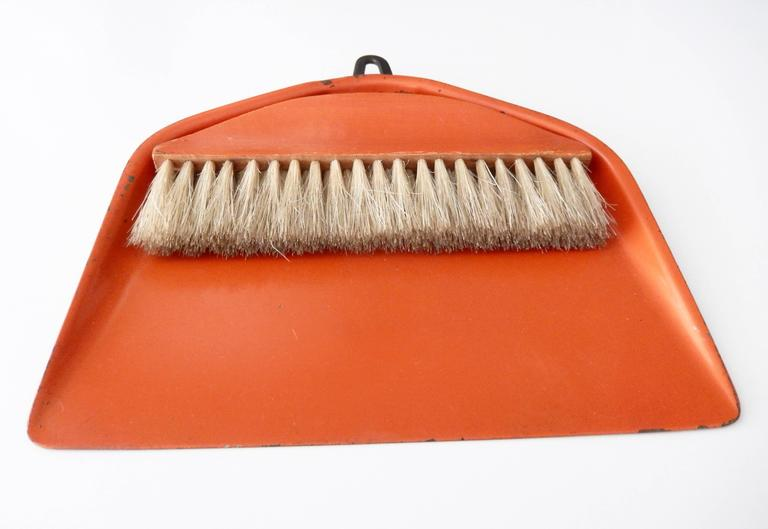 Enameled Bauhaus/Marianne Brandt Modernist Crumb Brush and Tray, circa 1929 For Sale