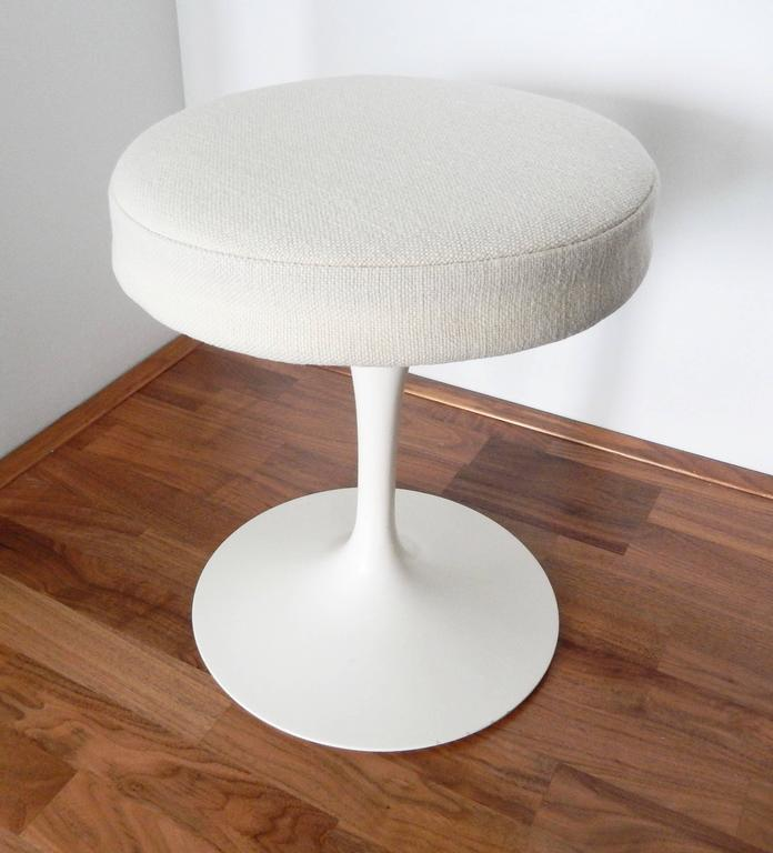 Eero Saarinen, Tulip Stool for Knoll, 1970s 2