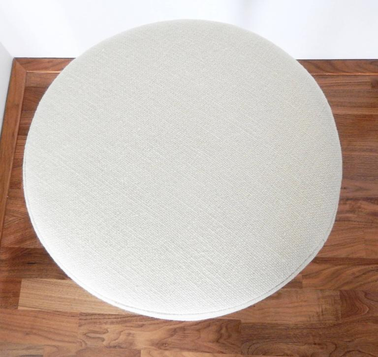 Cast Eero Saarinen, Tulip Stool for Knoll, 1970s For Sale