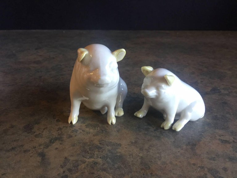 Pair of Porcelain Miniature Pigs by Belleek For Sale 1
