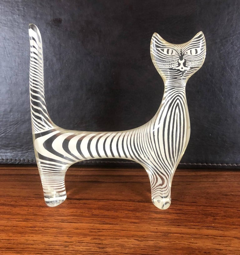 Mid-Century Modern Midcentury Lucite Cat Sculpture by Abraham Palatnik For Sale
