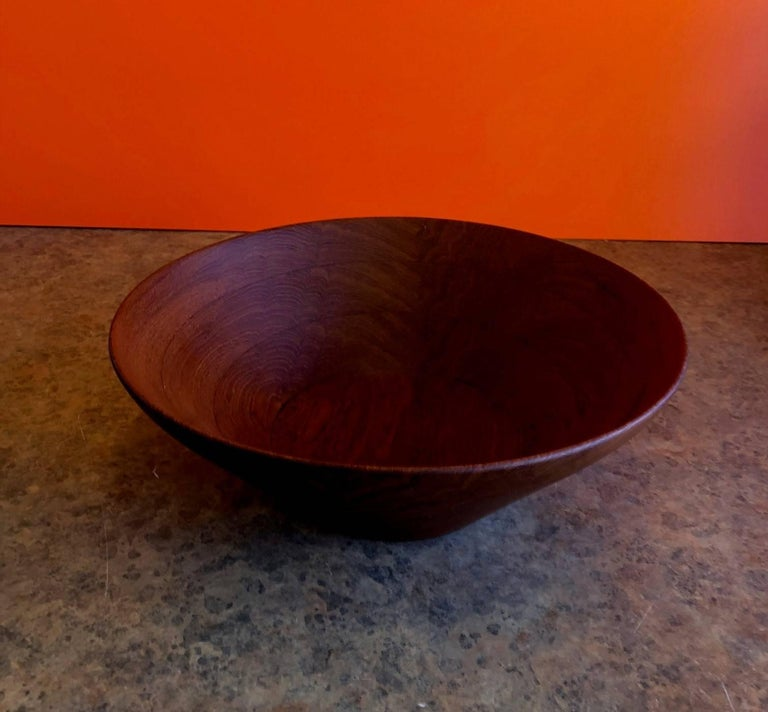 Danish Modern Staved Teak Bowl by Digsmed In Excellent Condition For Sale In San Diego, CA