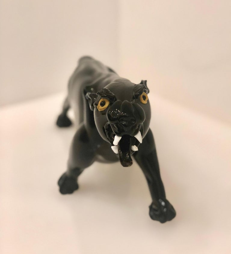 Beautiful and well done roaring black Murano glass panther, circa 1970s attributed to artist Romano Dona unsigned.