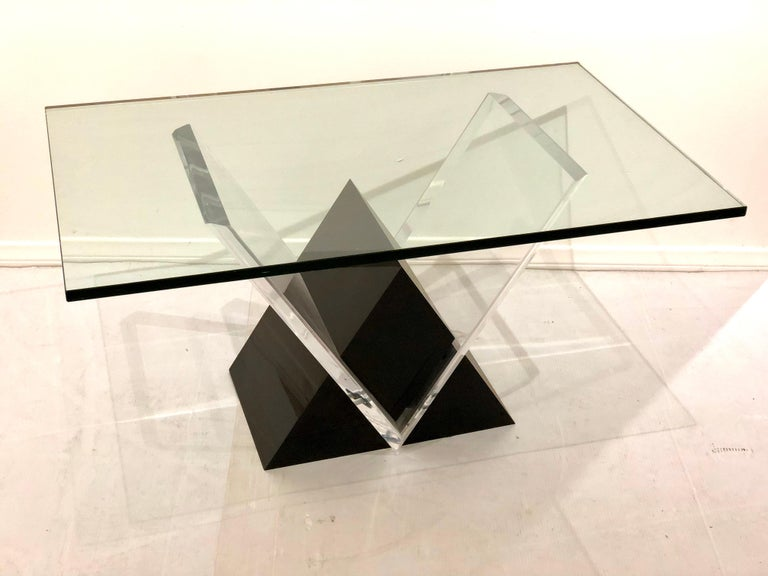 Post-Modern Mid-Century Modern Lucite and Glass Coffee Table For Sale