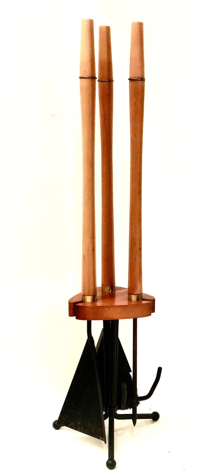 1950s Atomic Age Wood and Iron Fireplace Accessory Tool Set In Good Condition For Sale In San Diego, CA