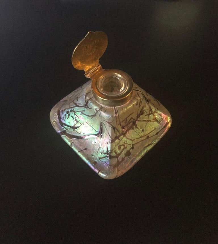 Iridescent Art Nouveau Art Glass Inkwell by Loetz In Good Condition For Sale In San Diego, CA