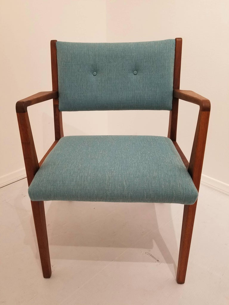 Danish Mid Century Modern Set Of Four Chairs In Walnut By